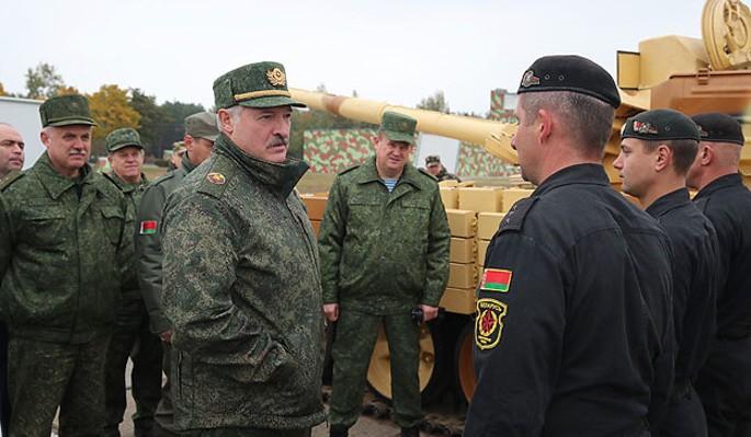 Лукашенко заявил о войне после разговора с Путиным
