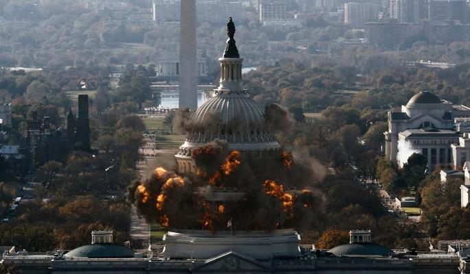 Мир в панике: известных политиков забросали бомбами