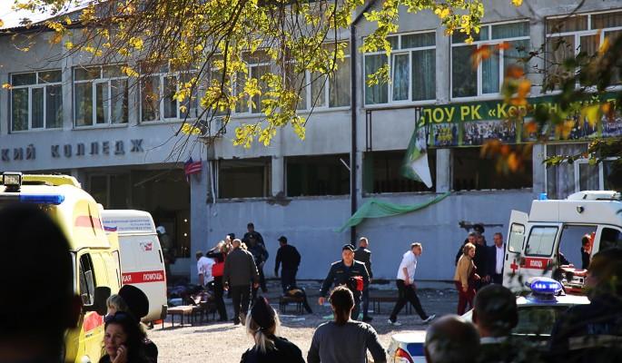 Мать убийцы бесследно исчезла после керченской бойни