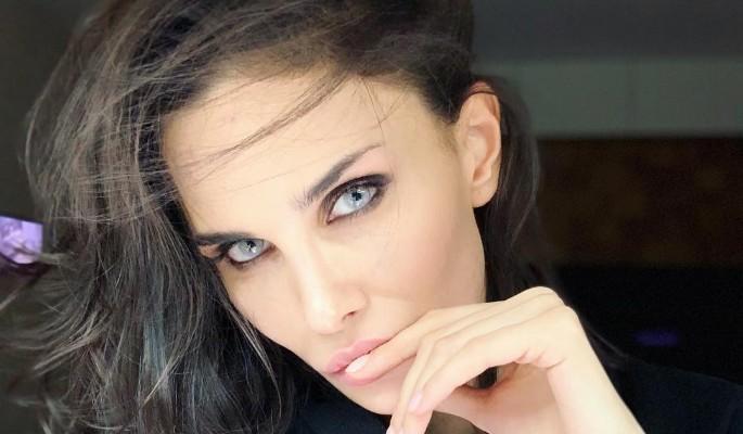 """""""С топором за любовницами"""": жена Мамаева разрыдалась из-за измен"""