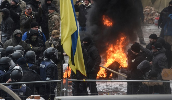 Стрельба на поражение и захват территорий: Украина сошла с ума