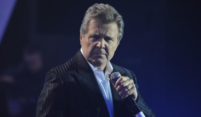 Лещенко появился на публике в сопровождении двух врачей