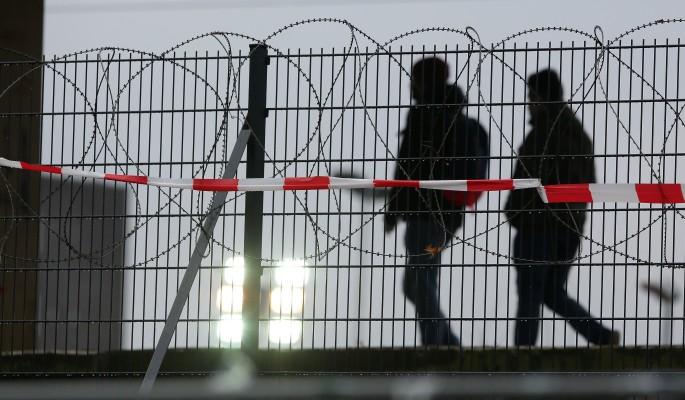Злобные украинцы завопили из-за забора у Крыма