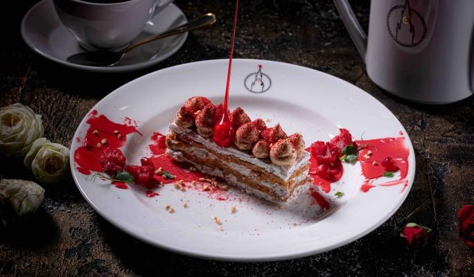 У стен Кремля открыли ностальгический ресторан