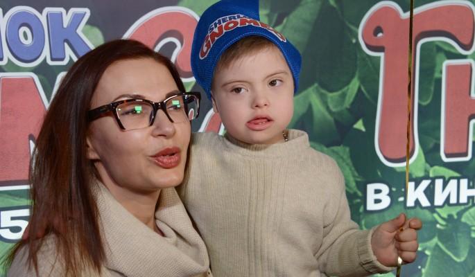 Сын с синдромом Дауна потрогал раздетую Бледанс