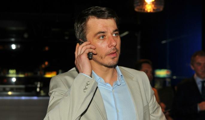 Игорь Петренко оставил только родившую жену