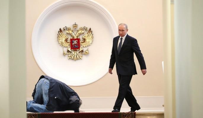 Почему новый президент Украины приползет к России на коленях