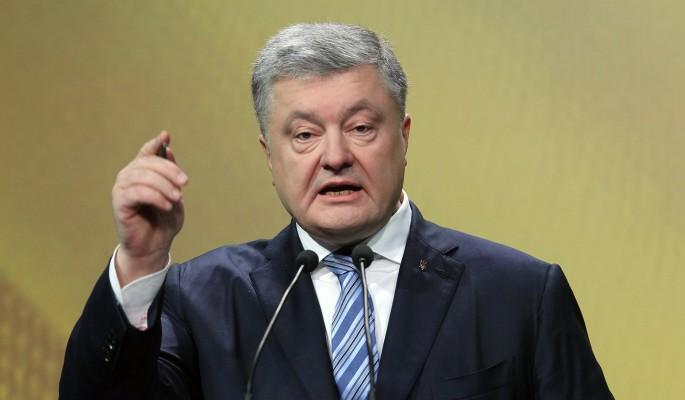 Знаменитый политик прилюдно врезал обнаглевшему Порошенко