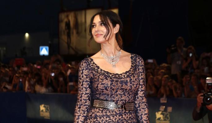 54-летняя Беллуччи показала роскошную фигуру в полупрозрачном платье