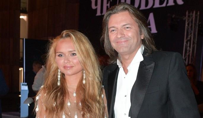 Похорошевшая дочь Маликова вышла в свет после разрыва с сыном миллиардера