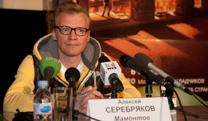 Предателю Серебрякову дали по морде за очередной наезд на Россию