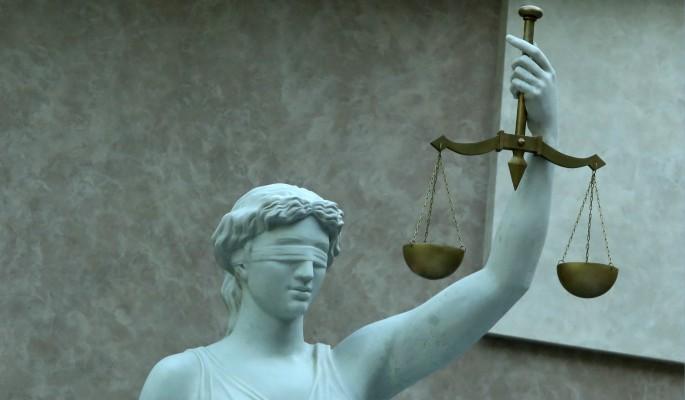 Московский суд оставил многодетную мать за решеткой