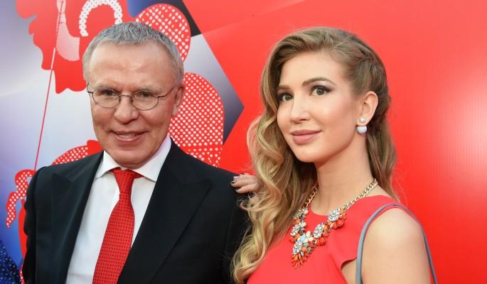 Фетисов жестко приложил избившего жену Башарова