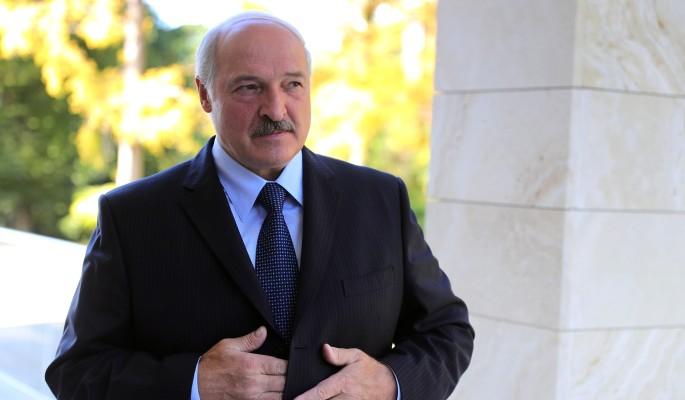 Нытик Лукашенко снова заговорил об объединении с Россией