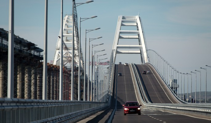 """""""Нам так удобнее"""": Россия ответила на претензии НАТО к Крымскому мосту"""