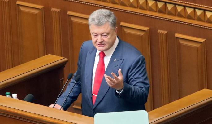 Отчаявшийся Порошенко бросился в ноги Путину