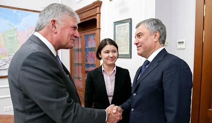 Володин обсудил отношения России и США с евангелистом Грэмом