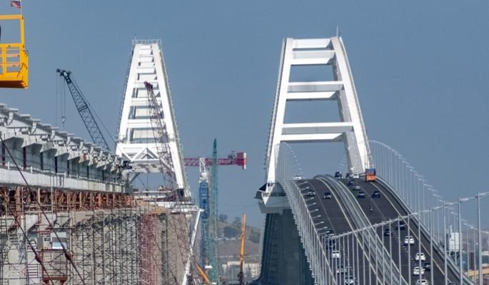 Охрана Крымского моста довела до истерики нервных украинцев