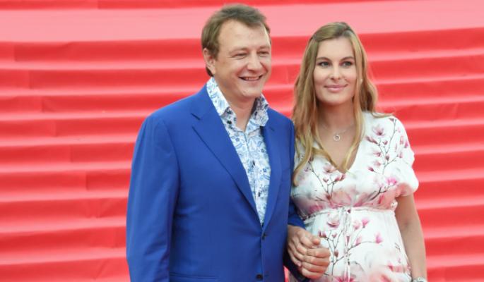 Скандал с расставанием Башарова с женой оказался мерзкой постановкой