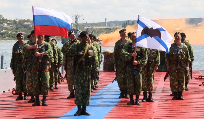 Армия и флот встали на защиту Крымского моста от кораблей НАТО
