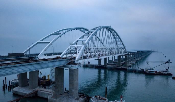 Крымский мост опустел после объявления о серьезных проблемах