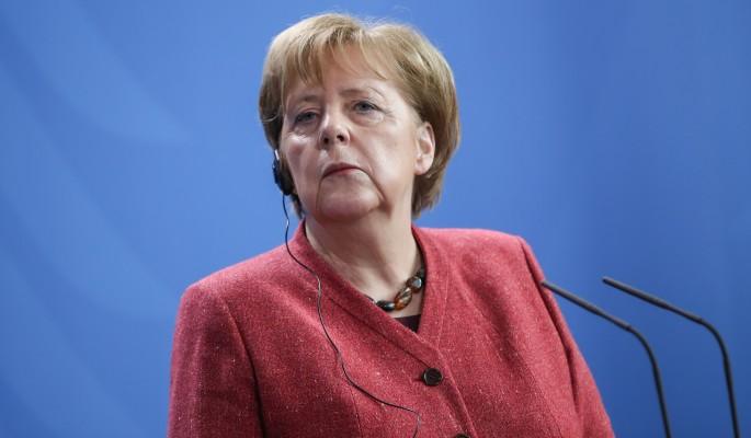 Меркель отказала жаждущему войны с Путиным Порошенко