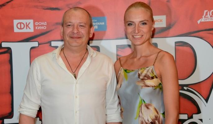 Больную вдову Марьянова вынесли со съемок у Борисова