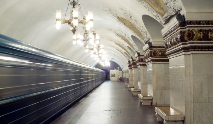 В московском метро пассажиры застряли в тоннеле