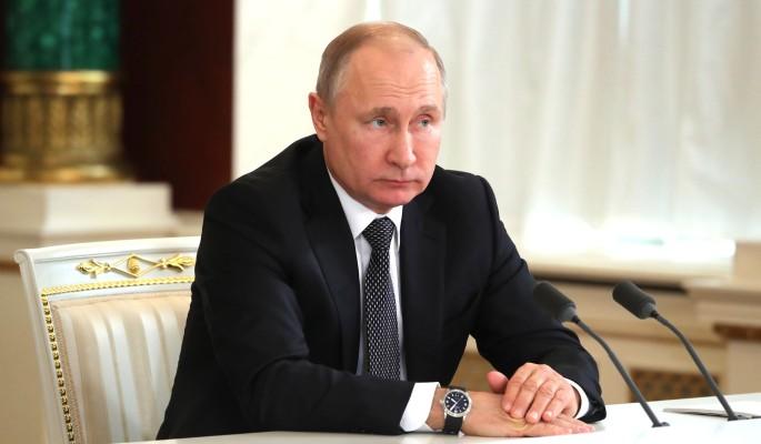 Гардероб Путина разобрали по ниточкам