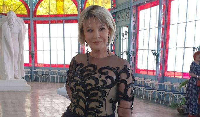 65-летняя Татьяна Веденеева показала клубничку