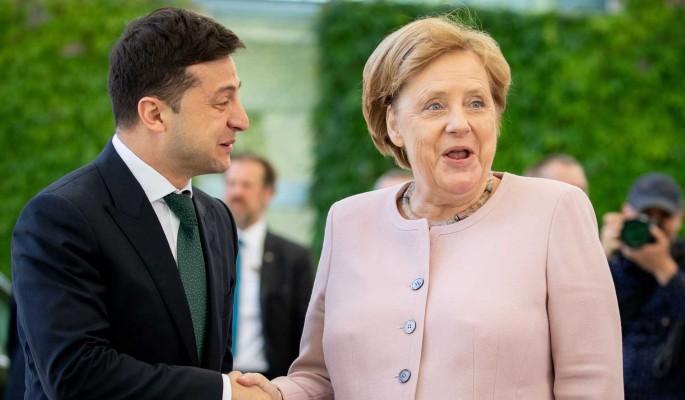 У Меркель случился припадок на встрече с Зеленским (видео)