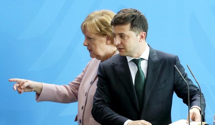 Зеленский раскрыл правду о бьющейся в конвульсиях Меркель
