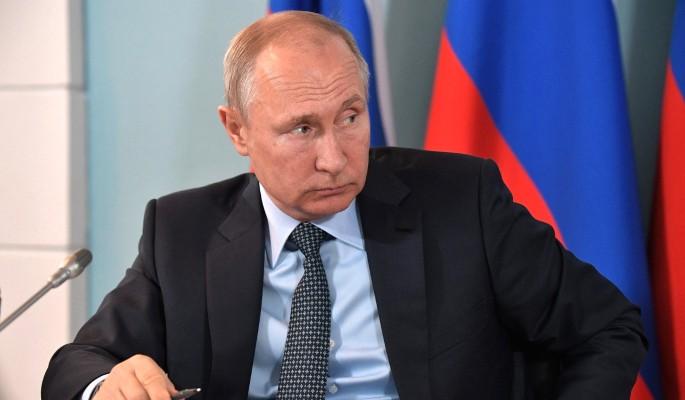Путин прилюдно облил грязью клоуна Зеленского