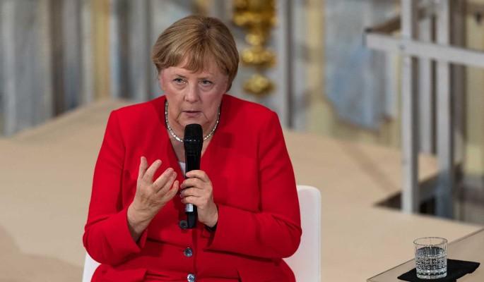 Немцы в шоке от беспомощности Меркель из-за судорог