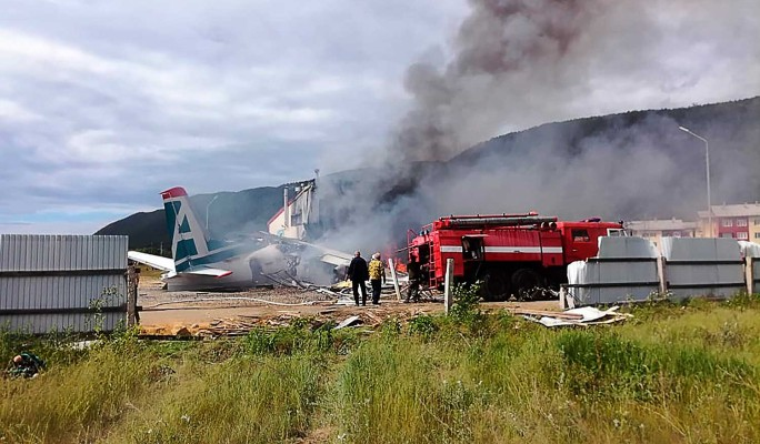 Пассажир заснял момент крушения загоревшегося Ан-24