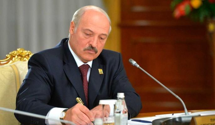 12 лет тюрьмы: Лукашенко втянули в скандал со взятками и бандитизмом