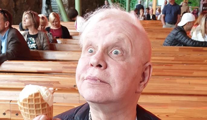"""""""На сцену не вернусь"""": печальное заявление 65-летнего Моисеева"""