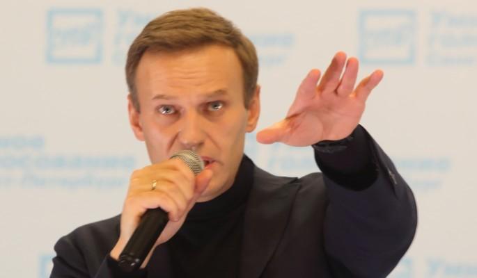 """Навальный не смог вразумительно ответить Соловьеву на шутку о митингующих """"мертвецах"""""""