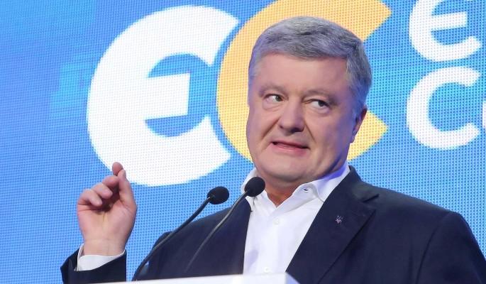 Нервный Порошенко закатил истерику после провала на выборах