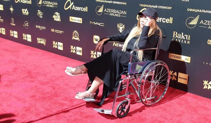 Вид сидящей в инвалидном кресле Цой шокировал фанатов