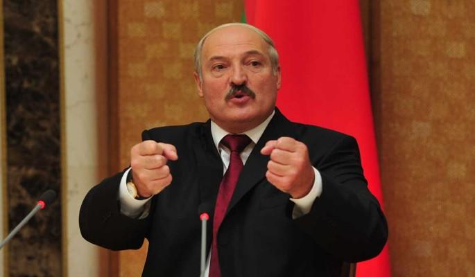 """Удар в спину"": Лукашенко объявил войну Путину"