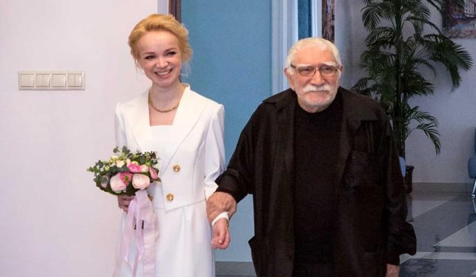 «Все было хорошо»: Цымбалюк-Романовская ответила на вопрос о сексе с Джигарханяном