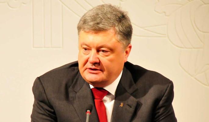"""Сядет надолго: неудачника Порошенко """"отправили"""" за решетку"""