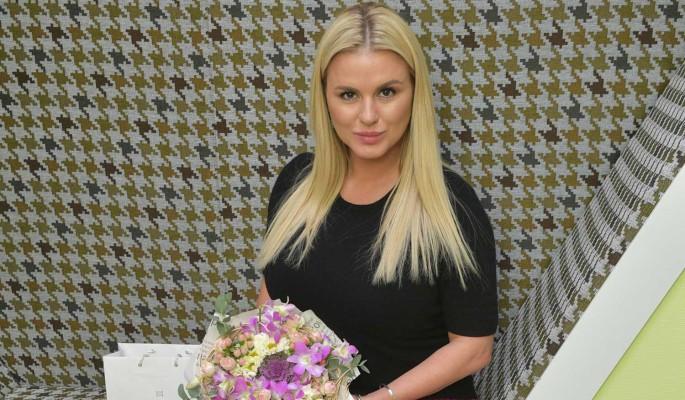Cеменович рассказала о рождении ребенка от суррогатной матери