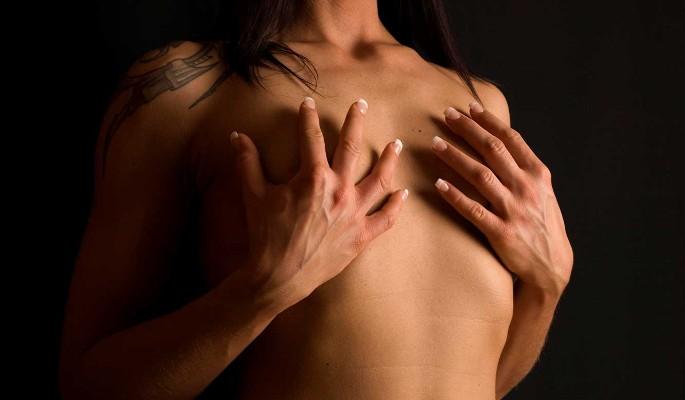 Женщина втайне от мужа решилась на увеличение груди