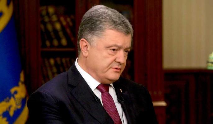Оскорбленный Порошенко объявил войну Зеленскому