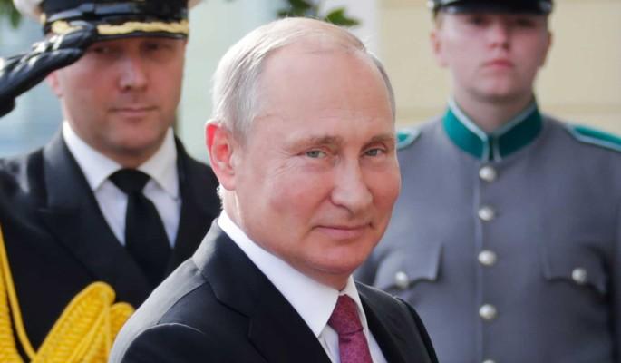 Украинцы захлебываются желчью из-за одетого с иголочки Путина