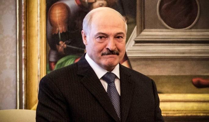 Лукашенко бросился к Путину после пощечины от американцев