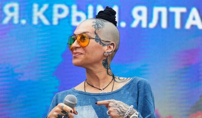 Певица Наргиз примерила образ
