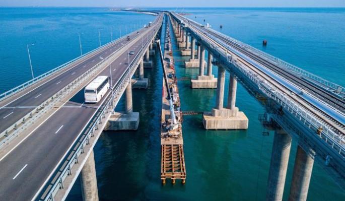 Народ рвет и мечет из-за обрушения на Крымском мосту